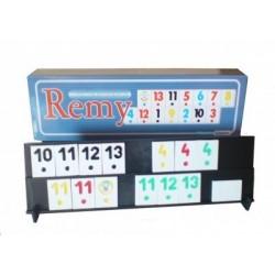 Joc Remy cu piese din plastic.